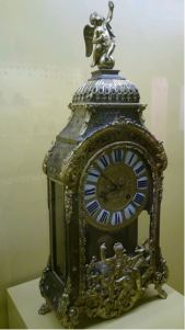 Horloge_Paris en vitrine